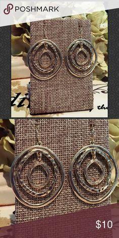 Round Gold Earrings Round Gild Earrings 227-01 Jewelry Earrings