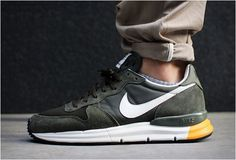 // Nike Lunar Internationalist Cargo Khaki/Olive