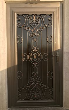 Wrought Iron Security Doors, Wrought Iron Decor, Wrought Iron Gates, Front Gate Design, Door Gate Design, Railing Design, Iron Windows, Iron Doors, Iron Staircase Railing