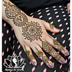 Easy and Simple Mehndi Designs That You Should Try In 2019 - Tikli Peacock Mehndi Designs, Stylish Mehndi Designs, Full Hand Mehndi Designs, Mehndi Designs For Beginners, Latest Mehndi Designs, Henna Designs, Beautiful Simple Mehndi Design, Mehndi Simple, Easy Henna