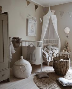 You are in the right place about toddler room ideas Here we offer you the most beautiful pictures about the toddler room ideas for boys you are looking for. Baby Bedroom, Baby Boy Rooms, Little Girl Rooms, Baby Room Decor, Nursery Room, Girls Bedroom, Bird Nursery, Baby Room Design, Toddler Rooms