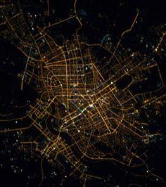 La Terre vue de nuit depuis lespace : Shenyang, capitale de la province du Liaoning. La ville et de ses environs rassemblent environ 7 millions de personnes.