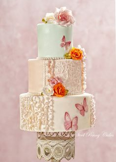 Butterfly Blush - Cake Central Magazine Vol.4 Issue 2 - by SteelPennyCakes @ CakesDecor.com - cake decorating website