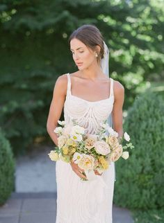 Summer Garden wedding – Inspiration of the classic style of this modern bride is found on Nouba – an Australian wedding vendor directory. Wedding Vendors, Wedding Blog, Dream Wedding, Garden Wedding Inspiration, Summer Romance, Summer Garden, Romantic Weddings, Bouquets, Classic Style