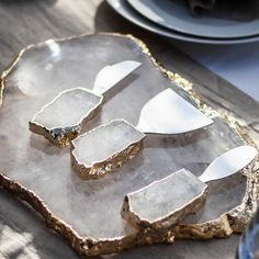 Making Resin Jewellery, Resin Jewelry, Monogram Ring Dish, Swooning Over, Italian Home, Diy Resin Crafts, Resin Art, Crystals, Anna Instagram