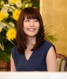 記者会見で笑顔をふりまく有村架純=東京・NHK放送センター(撮影・開出牧)