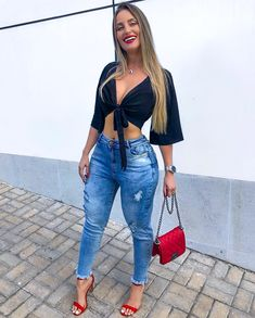 Cool ripped jeans outfits for teenage girls. Moda Outfits, Jean Outfits, Casual Outfits, Summer Outfits, Cute Outfits, Fashion Outfits, Womens Fashion, Summer Shoes, Ripped Jeans Outfit