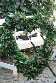 Simple green heart wreath ~ Pretty