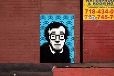 L'artiste français Invader vient de faire un passage remarqué à New York où il a installé 42 nouvelles oeuvres pixelisées sur les murs de la ville avec des représentations en mosaïque de Lou Reed, Andy Warhol, Woody Allen, Spiderman ou encore les Tortues Ninja. Pas de chance, quand il a eu fini de tout poser …