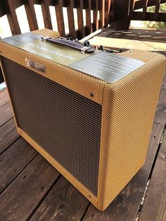 "Reissue of an All-time Favorite DeluxeThe Fender '57 Custom Deluxe tube amplifier brings you the authentic sound, looks, and vibe of a classic. It pumps twelve watts of tube-powered tone through a newly designed 12"" Eminence Special Design speaker, which includes an alnico magnet for vintage soun..."