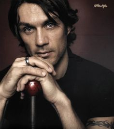 A bit more of the (old-days) Mundial handsomeness. Paolo Maldini, The Old Days, Flower Boys, Ac Milan, Attractive Men, Johnny Depp, American Football, Beautiful Men, Soccer