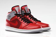 buy online f57e9 b23ed Air Jordan 1  89 Fire Red Cement Grey  Sneakers Michael Jordan, Jordan
