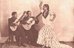 Carmen Amaya junto a su padre y su hermano