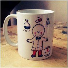 Un visitador medico!!! Sorprendelo con un regalo especial persononalizado con su nombre ! #visitadormedico #doc #mug #tazon #ilustracion