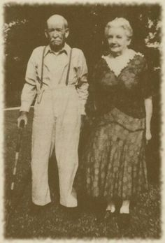 Almonzo and Laura Ingalls Wilder in 1948