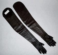 Margiela shoulder gloves