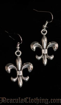 Dracula Clothing: Fleur De Lis Earrings