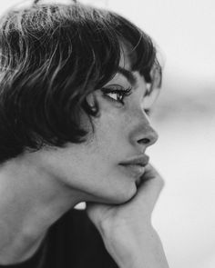 thought フ face-faced portrait / short-haired women - Brenda O. - thought フ face-faced portrait / short-haired women – - Face Photography, Photography Women, White Photography, Photography Flowers, Fashion Photography, Photography Ideas, Photography Portraits, Loneliness Photography, Feminine Photography