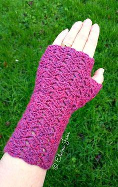 Fingerless Gloves - free crochet (dk weight) pattern from Sculptural Crochet by Elvira Jane.