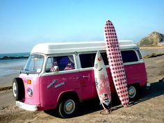 and a matching VW bus ~ to go along with the boards ! Volkswagen Transporter, Transporteur Volkswagen, Vw T1, Vw Camper, Van Life, Combi T1, Combi Split, Kombi Home, Vw Vintage