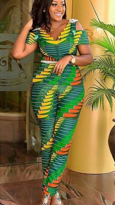 Photo at Diyanu Photo at Diyanu Source by acelinehuff Best African Dresses, African Traditional Dresses, Latest African Fashion Dresses, African Print Dresses, African Print Fashion, African Attire, African Print Jumpsuit, Ankara Jumpsuit, African Print Dress Designs