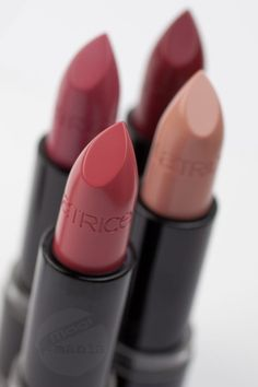CATRICE Hollywoods Fabulous 40ies Lipsticks http://www.magi-mania.de/catrice-hollywoods-fabulous-40ies-lipsticks-alle-4-auf-den-lippen/