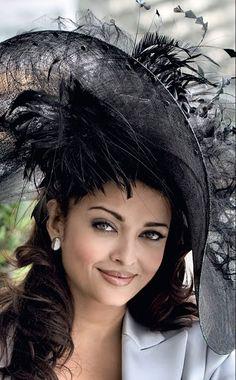 I love hats! Chapeaux Pour Kentucky Derby, Kentucky Derby Hats, Derby Attire, Fascinator Hats, Fascinators, Headpieces, Derby Day, Diane, Estilo Retro
