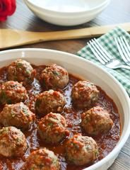47 calories per meatball! - Lebanese Turkey Meatballs seasoned with allspice and cinnamon and fresh cilantro and parsley! - The Spice Kit Recipes (www. Turkey Dishes, Turkey Recipes, Chicken Recipes, Spicy Meatballs, Turkey Meatballs, Lebanese Recipes, Indian Food Recipes, Ethnic Recipes, Appetizer Recipes