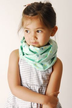 Little mint scarf