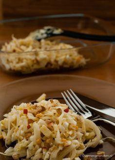 Frisse witlofsalade - Overetengesproken.nl Vegetarian Recepies, Veg Recipes, Salad Recipes, Cooking Recipes, Healthy Recipes, I Love Food, Good Food, Yummy Food, Chicory Salad