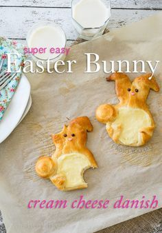 If you're looking for a super cute and easy treat to make this Easter, you definitely need to make these Easter Bunny Cream Cheese Danish! I know somebunny is going to love these! ;) #easter