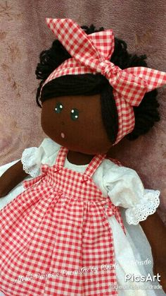 This Pin was discovered by Luc African Dolls, African American Dolls, Doll Clothes Patterns, Doll Patterns, Doll Toys, Baby Dolls, Sewing Dolls, Child Doll, Waldorf Dolls