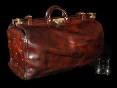 1930s Brown Leather Gladstone bag