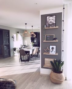 I love the picture rails Living Room Decoration - Living Room Inspiration, Interior Inspiration, Modern Farmhouse Kitchens, Home Accents, Home And Living, Living Room Decor, Sweet Home, New Homes, House Design