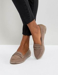 44 Classy Business Women Outfits Ideas with Flat Shoes Are yo. - 44 Classy Business Women Outfits Ideas with Flat Shoes Are you a boss? Shoes 2018, Women's Shoes, Shoe Boots, Flat Shoes Outfit, Shoes Sneakers, Shoes Style, Pump Shoes, Ankle Boots, Shoes