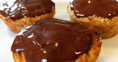 Kun 3 hovedingredienser til disse små sunde muffins, som kan bruges som morgenmad, hvis man lever efter Sense. Tak til Maria Hele... Healthy Snacks, Tak, Cheesecake, Sweets, Bruges, Baking, Breakfast, Danish, Desserts