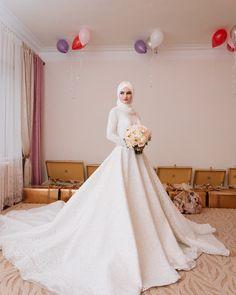 Фото от @islam_tahaev_95 _________________________________________ Дорогие невесты, сейчас в нашей студии большая акция на все пакеты. ВСЕ ПАКЕТЫ ПО 100 рублей Спешите! Акция действует только до конца марта! ________________________________________ #невеста#свадьба#свадебныеплатья#свадебныйобраз#милашка#куколка#красавица#красиваяневеста#необычноеплатье#милыйбукетик#деталь#красивоефото#weddingday#weddingdress