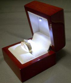 LED Trauringetui Schmuckkasten Geschenkbox Ringbox Ringschatulle Ringetui Rot | eBay