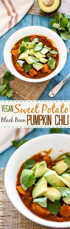 Vegan Sweet Potato Black Bean Pumpkin Chili [Fit Mitten Kitchen] *CC- not very flavorful. Chili Recipes, Veggie Recipes, Whole Food Recipes, Vegetarian Recipes, Healthy Recipes, Soup Recipes, Fall Recipes, Yummy Recipes, Drink