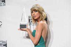 Taylor Swift Photos - American Music Awards Press Room — Part 2 - Zimbio