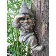 polyresin garden gnome and garden dwarf/elf
