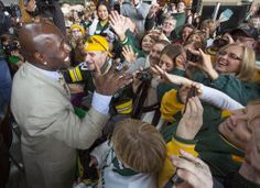 Packers: Green Bay street renamed for Donald Driver : Sports Packers Baby, Go Packers, Greenbay Packers, Donald Driver, Sport Girl, Green Bay, Green And Gold, Wisconsin, Boys