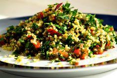 Tabouli Recipe (Middle Eastern bulgur and parsley salad) Tabouli Salad Recipe, Salad Recipes, Lebanese Recipes, Veg Dishes, Vegetable Dishes, Middle Eastern Salads, List Of Vegetables, Mint Salad, Egyptian Food