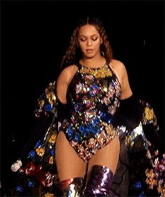 The perfect Beyonce Sassy Walking Animated GIF for your conversation. Discover and Share the best GIFs on Tenor. Beyonce Gif, Beyonce Coachella, Beyonce And Jay Z, Destiny's Child, Beyonce Performance, Beyonce Knowles Carter, Beyonce Style, Jolie Lingerie, Doja Cat