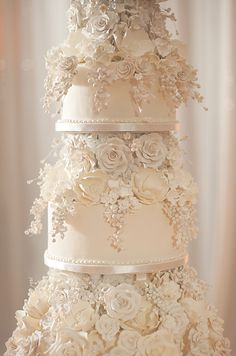 wedding cakes Unforgettable Miami Wedding with Acrobats, Tiger Cubs & Fireworks Extravagant Wedding Cakes, Fancy Wedding Cakes, Blush Wedding Cakes, Floral Wedding Cakes, Amazing Wedding Cakes, Wedding Cake Designs, Henna Wedding Cake, White And Gold Wedding Cake, Country Wedding Cakes