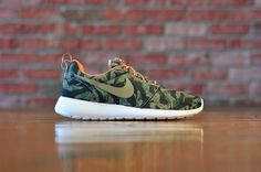 ae7e5e40e6 Nike Roshe Run Print Tiger Camo - Medium Olive