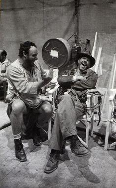 """Fotos do backstage do filme de """"Indiana Jones – Os Caçadores da Arca Perdida"""", de 1980. Um clássico para todo mundo por volta dos 30."""