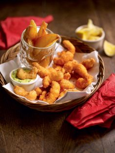 This recipe for scampi with tartare sauce is delicious, pair it with our par-boiled oven baked chips for the ultimate bar food experience.