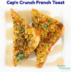 Cap'n Crunch French Toast is a delicious breakfast that adults and children will love. Each slice of custard dipped brioche bread is coated with Cap'n Crunch Berries cereal. #ad #QuakerTime - Cap'n Crunch French Toast Recipe on Gator Mommy Reviews
