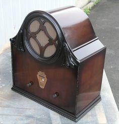 1930 Vealco 4 valve regen radio.
